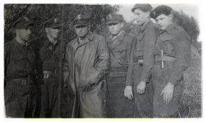 osatni_z_prawej_pan_sarnecki_oddzial_sowy_rok_1946